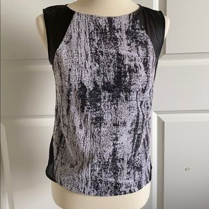 Nordstrom Trouve sleeveless top black/white sz XS
